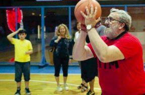 michele-emiliano-basket-673834
