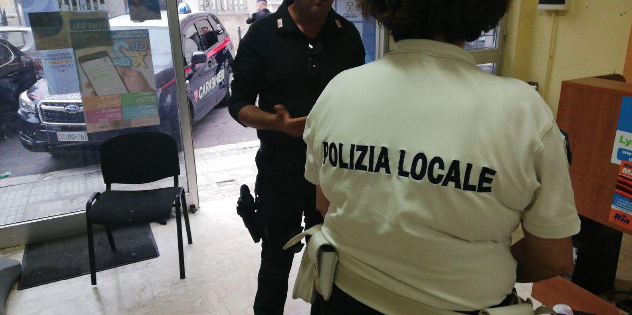 Attività di controllo ad alto impatto effettuata congiuntamente dai Carabinieri e dalla Polizia Locale nell'area antistante la stazione ferroviaria, corso Umberto I e via Bastioni San Giorgio