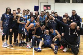 La gioia della Dinamo dopo la vittoria contro Trani