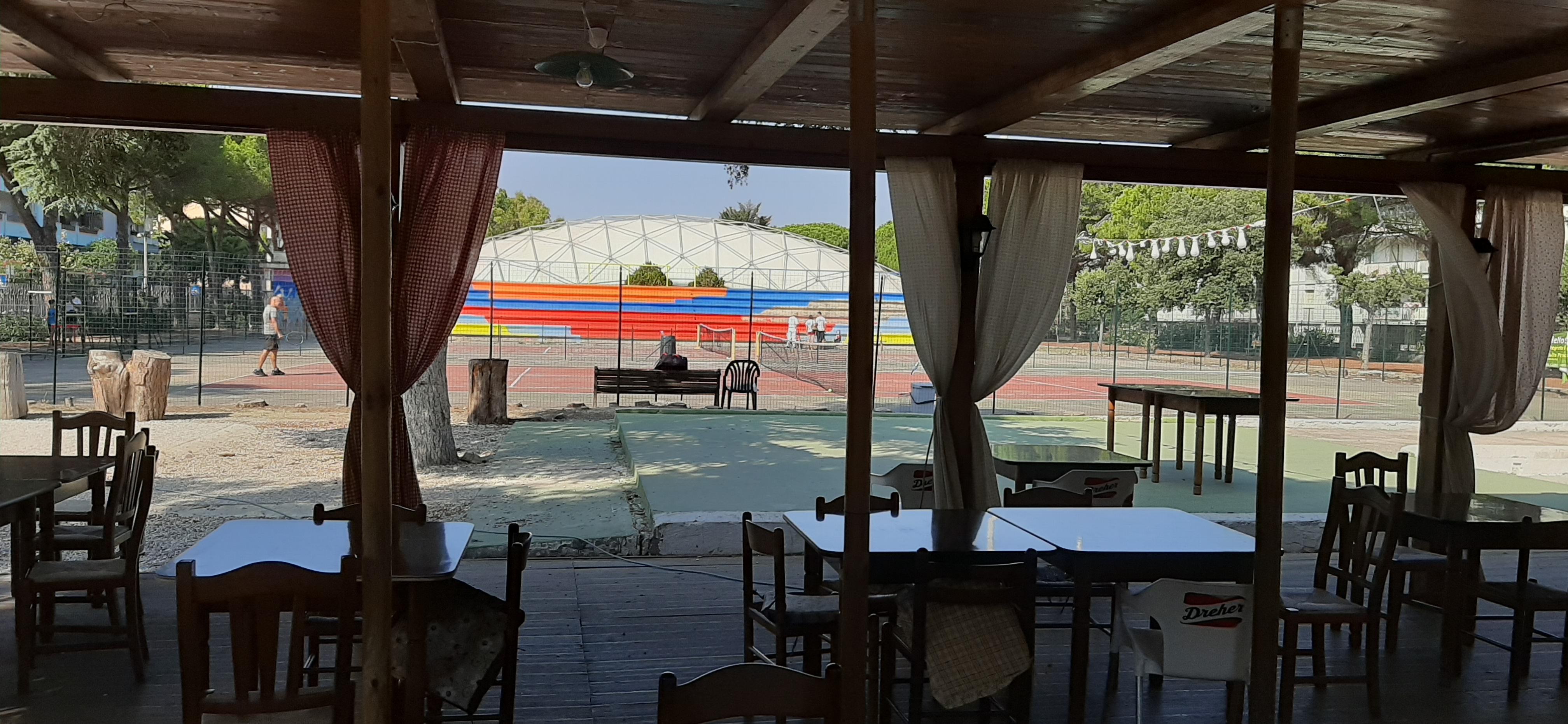"""Parco Buscicchio, nel mirino il bar-ristorante: """"Il Comune mette in discussione la nostra concessione ma poi non è in grado di evitare i continui atti di vandalismo"""""""