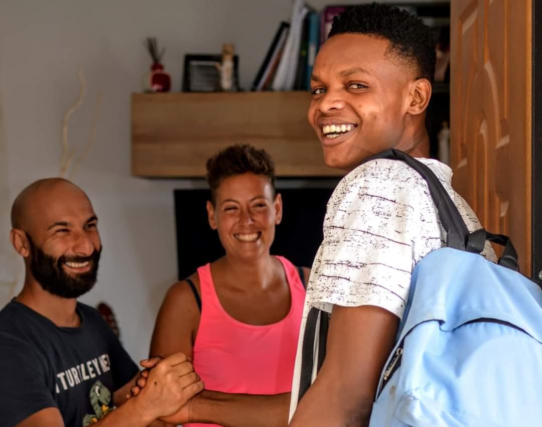 Una famiglia brindisina dà ospitalità a un rifugiato