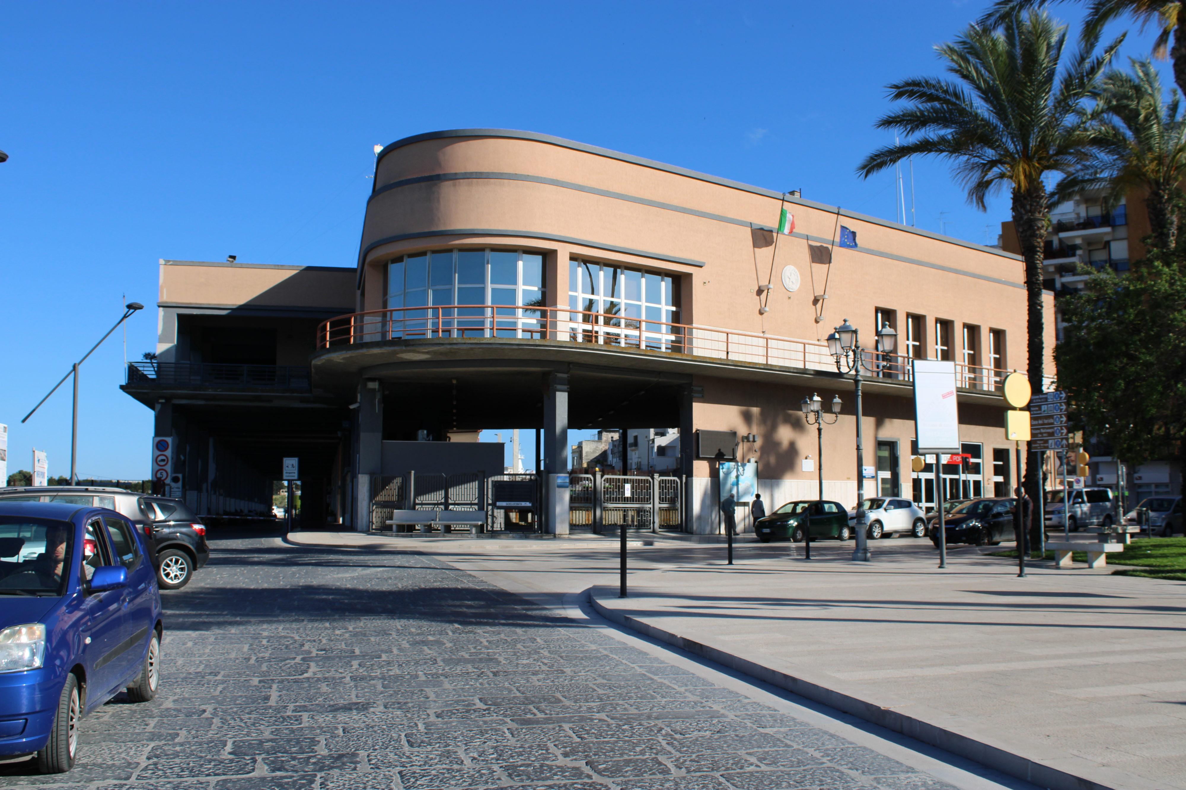 """Stazione marittima """"Le Vele"""", si riparte: """"Pubblicato un nuovo bando. Indegno che Brindisi non abbia una stazione passeggeri"""""""
