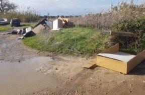 Foto sequestro rifiuti camion BR 1