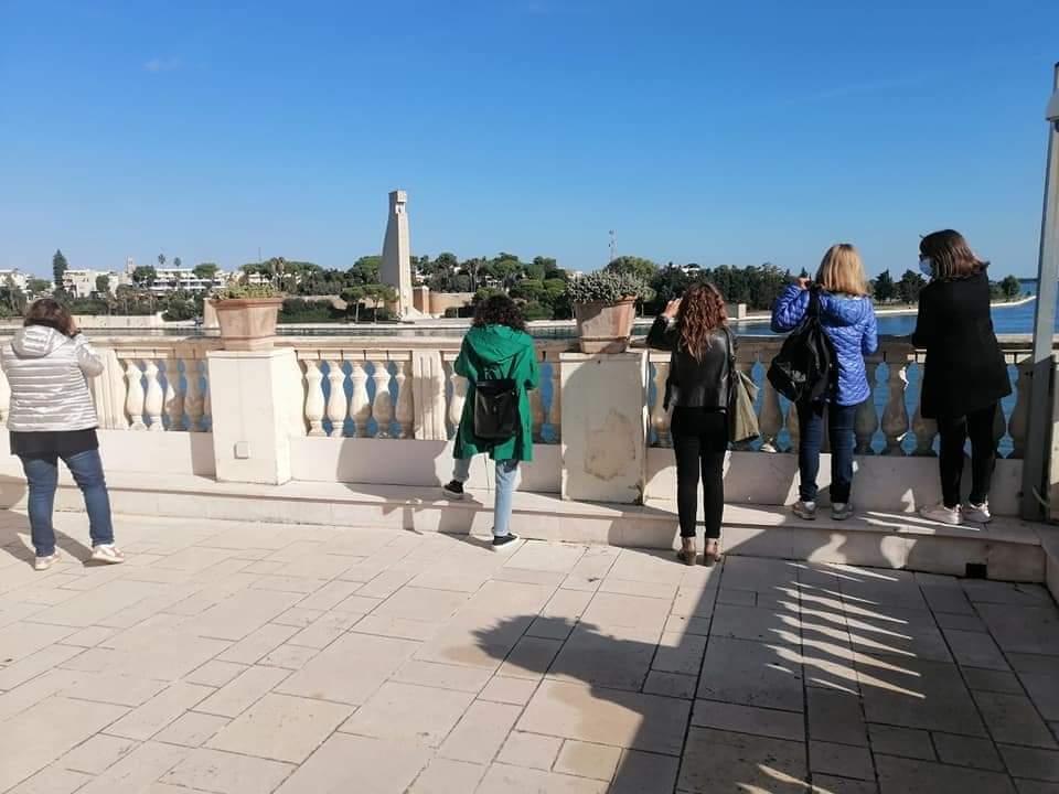Questa è ancora una città dalla quale fuggire: magari per trasferirsi a Taranto