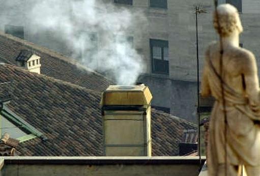 Caldaie a combustione in condominio e poteri del sindaco